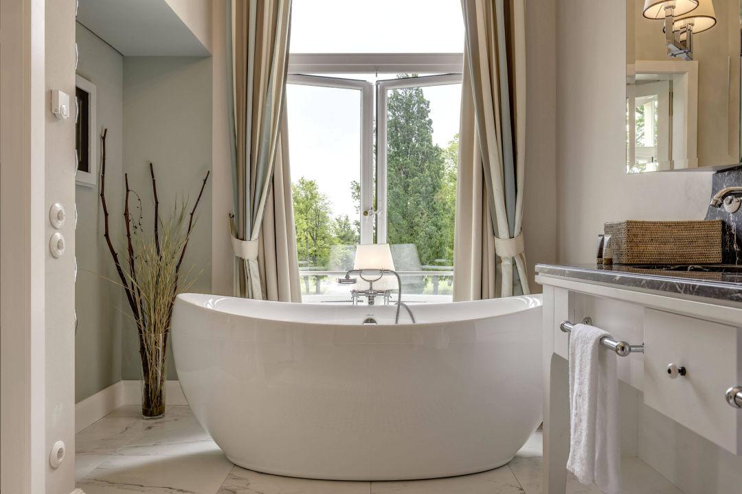 "bild ""schloss badezimmer"" zu weissenhaus grand village resort"