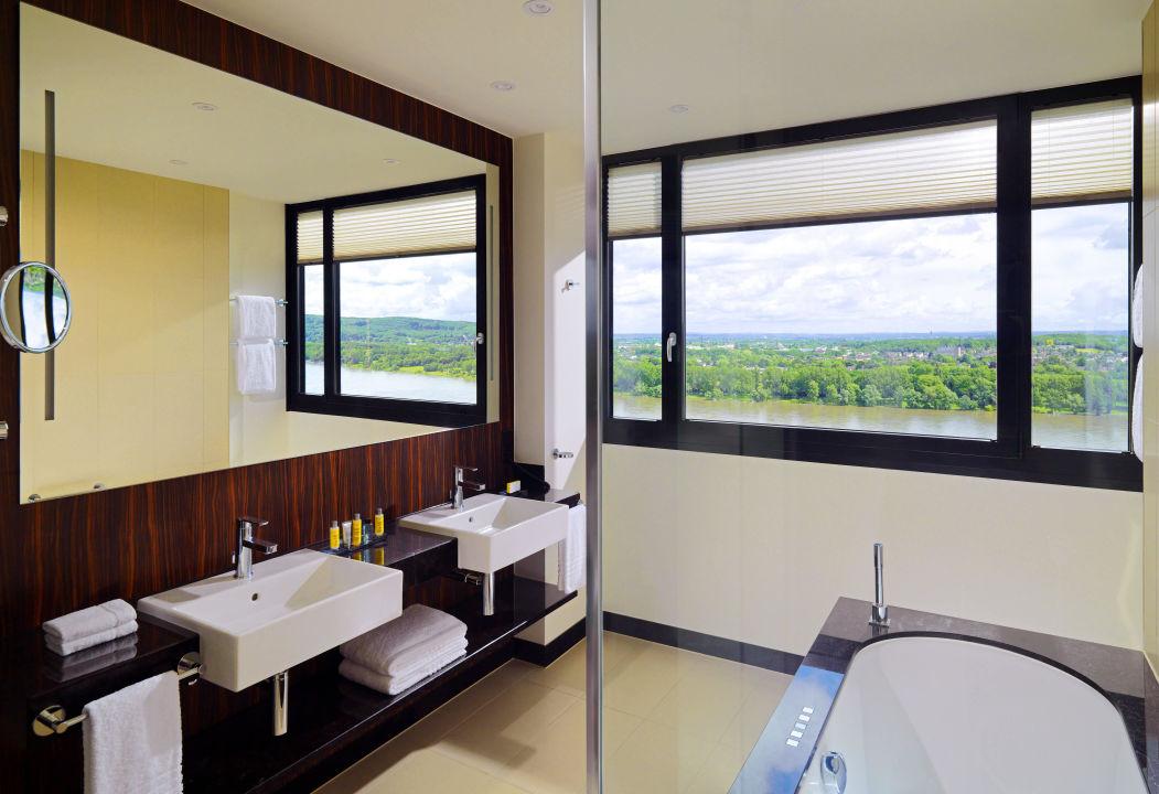 Badezimmer Corner Suite\