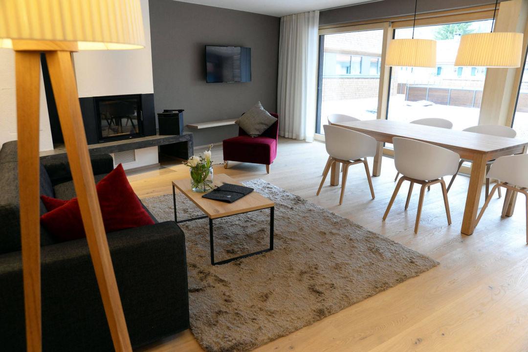 superior chalet wohnzimmer das hochgrat oberstaufen holidaycheck bayern deutschland. Black Bedroom Furniture Sets. Home Design Ideas