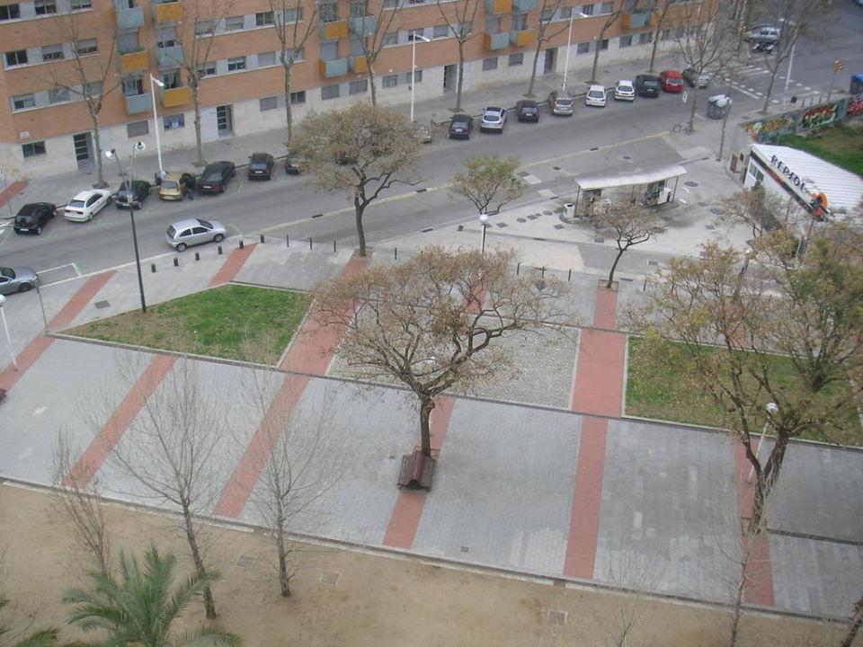 Kleiner Park neben dem Hotel H10 Marina Barcelona