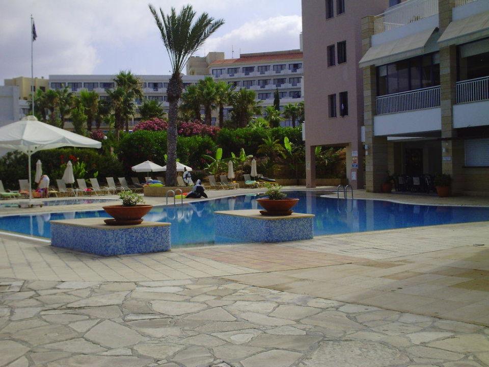 Baignade St. George Gardens Hotel Suites