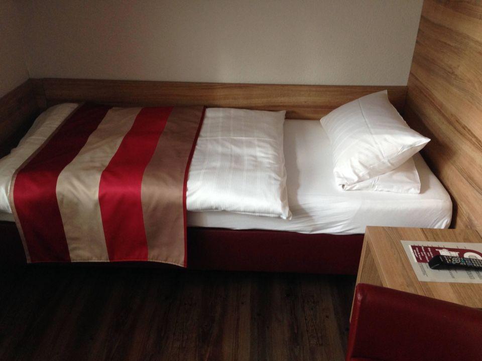 Bett 2 vom DZ Adolph's Gasthaus