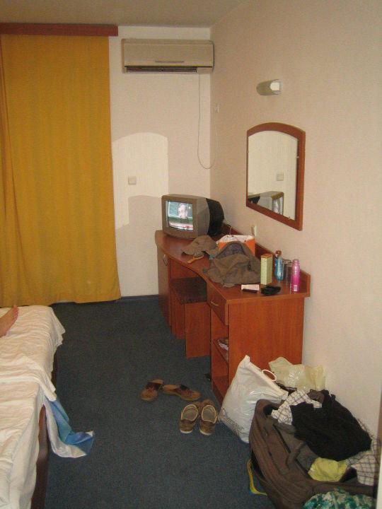 bild das zimmer mit tv zu hotel sun city in sonnenstrand. Black Bedroom Furniture Sets. Home Design Ideas