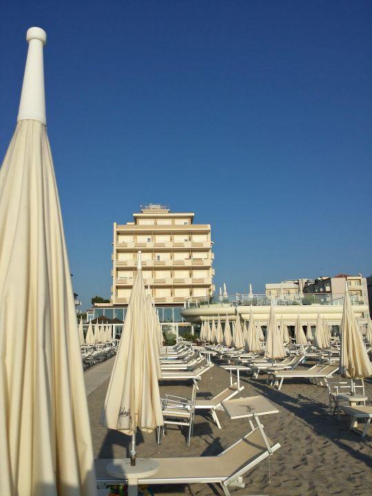 Hotel dalla spiaggia Hotel Benini