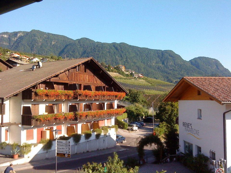 Blick zur Hauptstr Hotel  - Apartments Schmied Hans