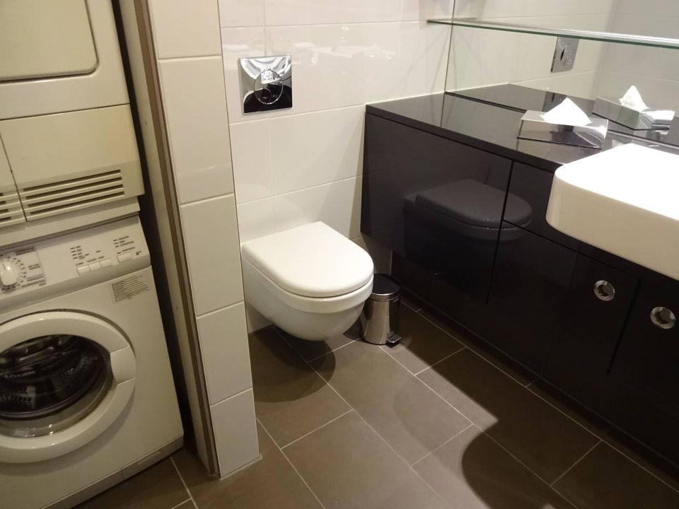 bad waschmaschine trockner adina apartment hotel berlin hauptbahnhof berlin mitte. Black Bedroom Furniture Sets. Home Design Ideas