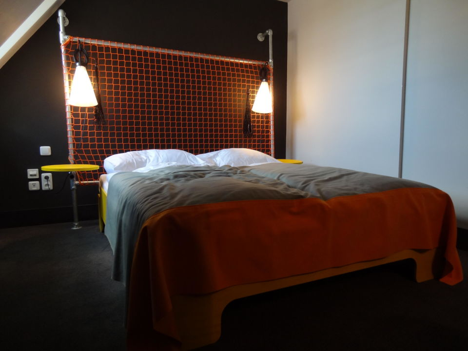 bild wanddeko zu hostel superbude st pauli in hamburg altona. Black Bedroom Furniture Sets. Home Design Ideas