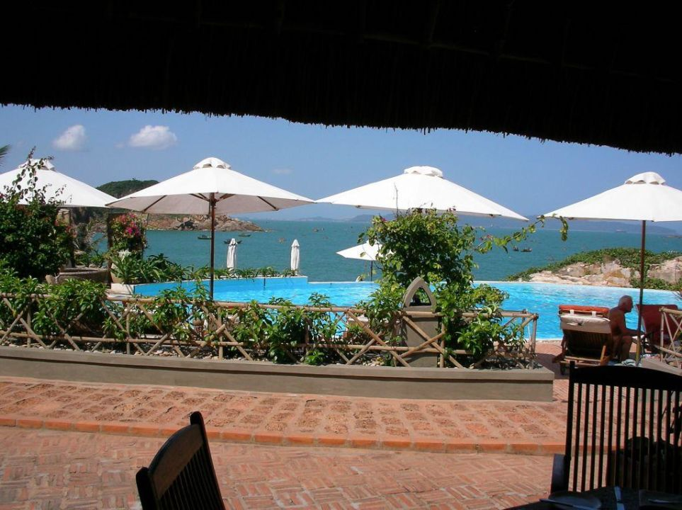 Blick aus der Poolbar AVANI Quy Nhon Resort & Spa