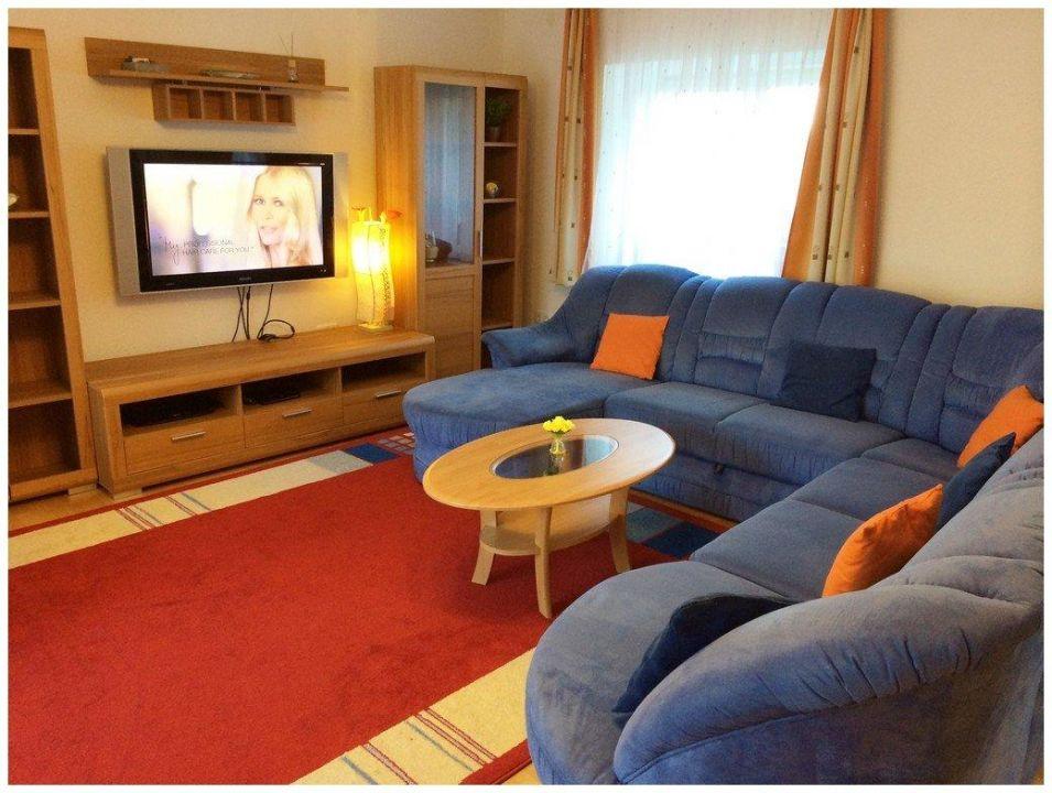 Couch Fernseher Wohnzimmer Apartment Deluxe Linz