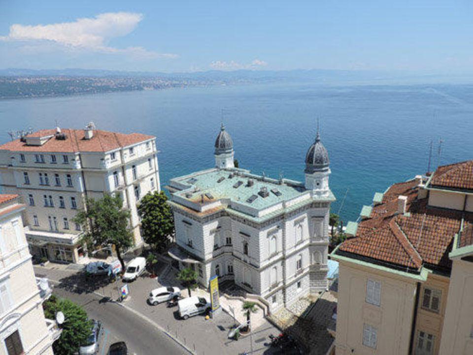 Ausblick auf die Kvarner Bucht Hotel Astoria by OHM Group