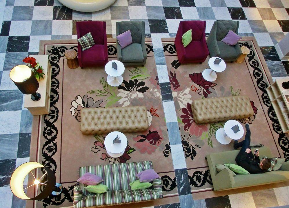 Bild stilvolle teppichmusterung im corporate design zu for Design hotel sauerland am kurhaus 6 8