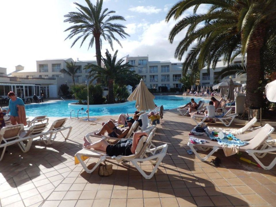 Poolanlage village hotel riu oliva beach village for Riu oliva beach village