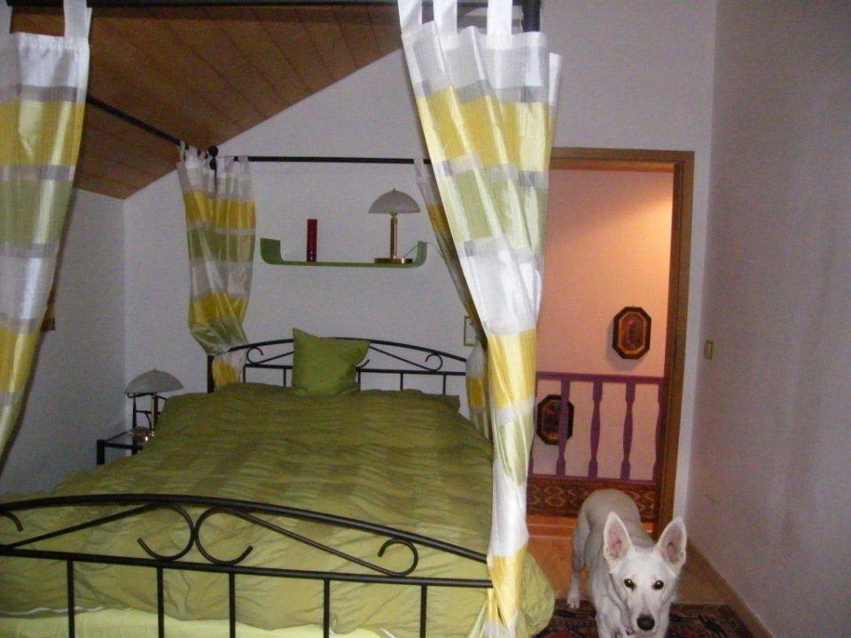 Romantisches Schlafzimmer Mit Himmelbett Ferienhaus Landau