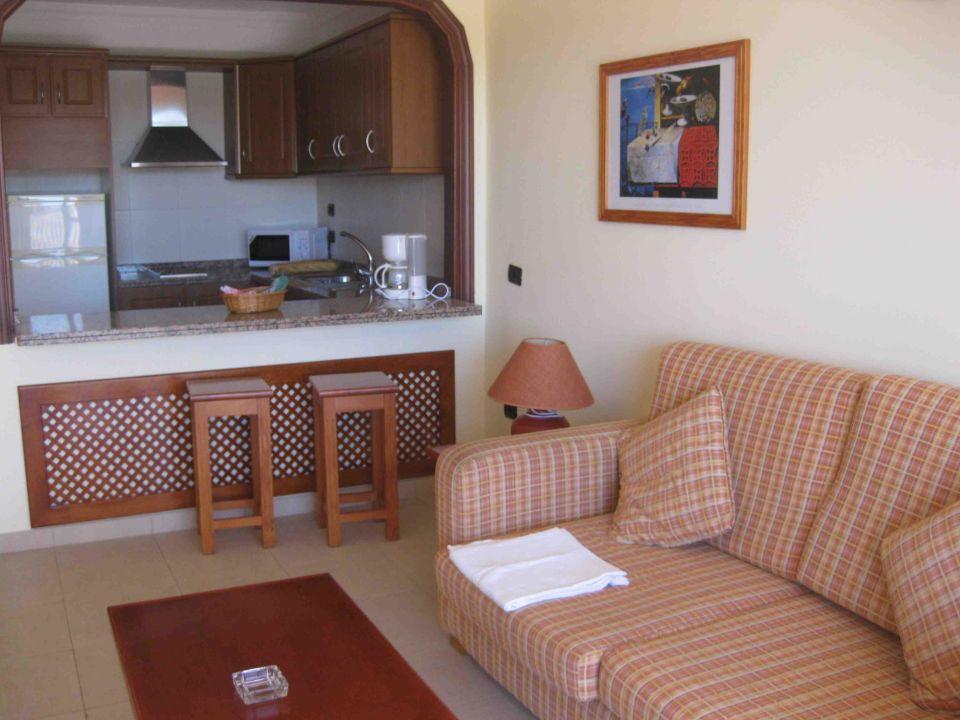 Wohnzimmer, offene Küche\