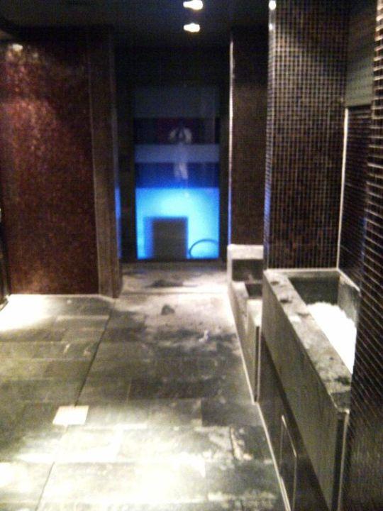 spa wellness bereich duschen dampfbad sofitel munich bayerpost hotel m nchen. Black Bedroom Furniture Sets. Home Design Ideas