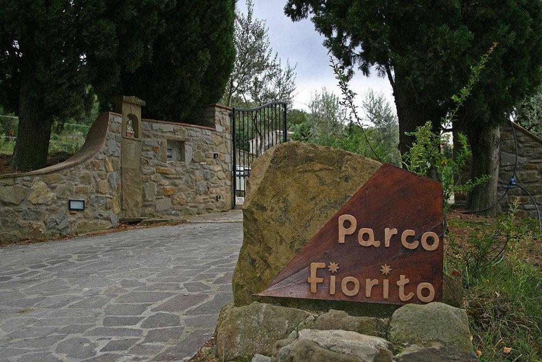 Einfahrt Hotel Parco Fiorito