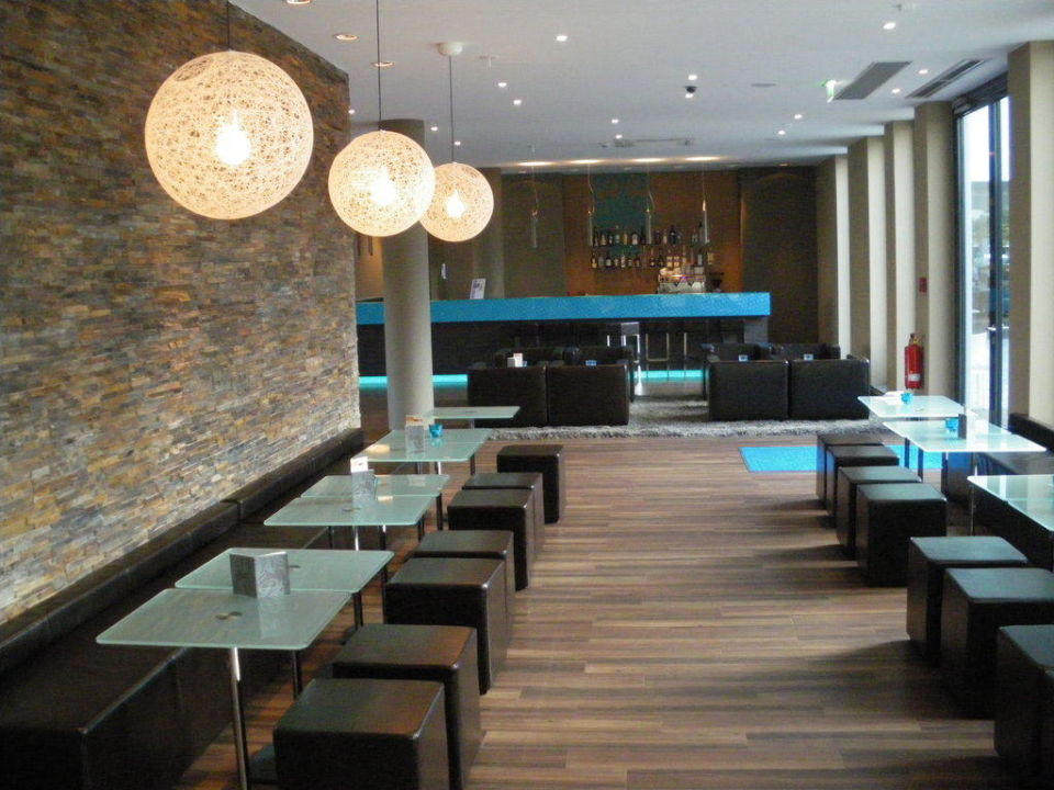 lobby motel one hamburg airport in hamburg nord. Black Bedroom Furniture Sets. Home Design Ideas