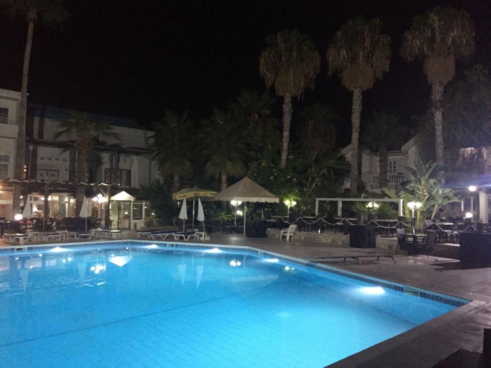 La Hotel And Resort Kyrenia