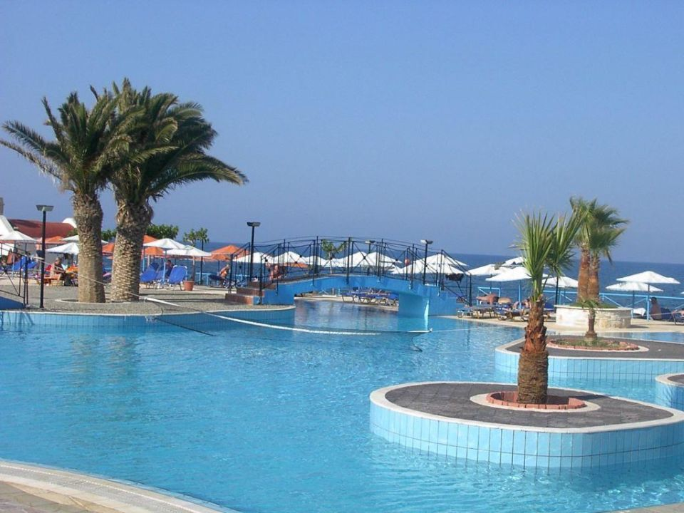 Pool Eri Beach & Village