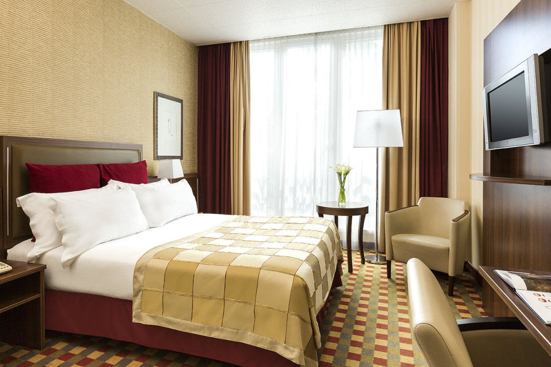 standard hotel paris standard room hotel crowne plaza paris r publique in