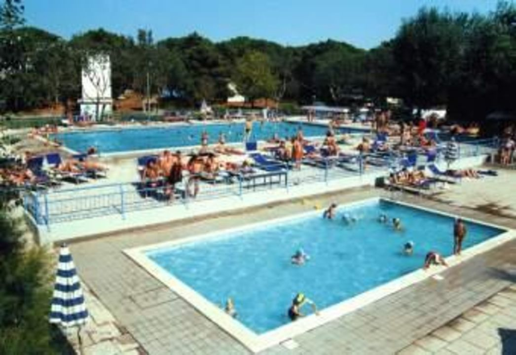 Schwimmbad im Bungalow Park Camping Spina Camping & Bungalows Spina Villaggio