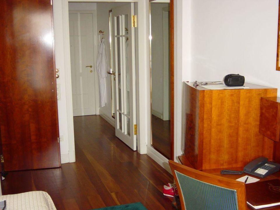 Blick aus einem Zimmer mit Elbblick Hotel Louis C. Jacob
