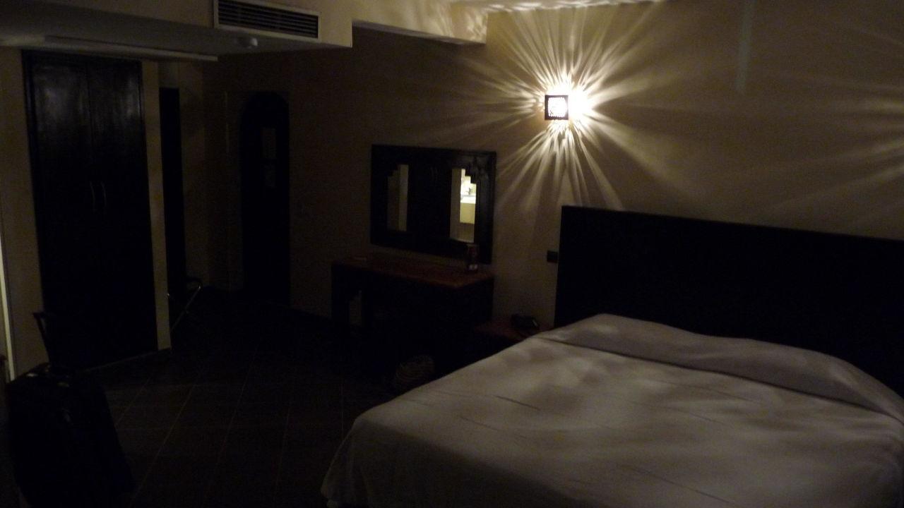 bett hotel royal decameron tafoukt beach agadir holidaycheck gro raum agadir marokko. Black Bedroom Furniture Sets. Home Design Ideas