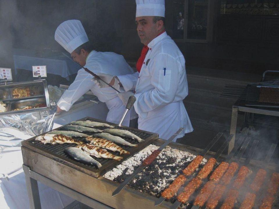 Grillfest am Pool im März 2010 Hotel Terrace Beach Resort