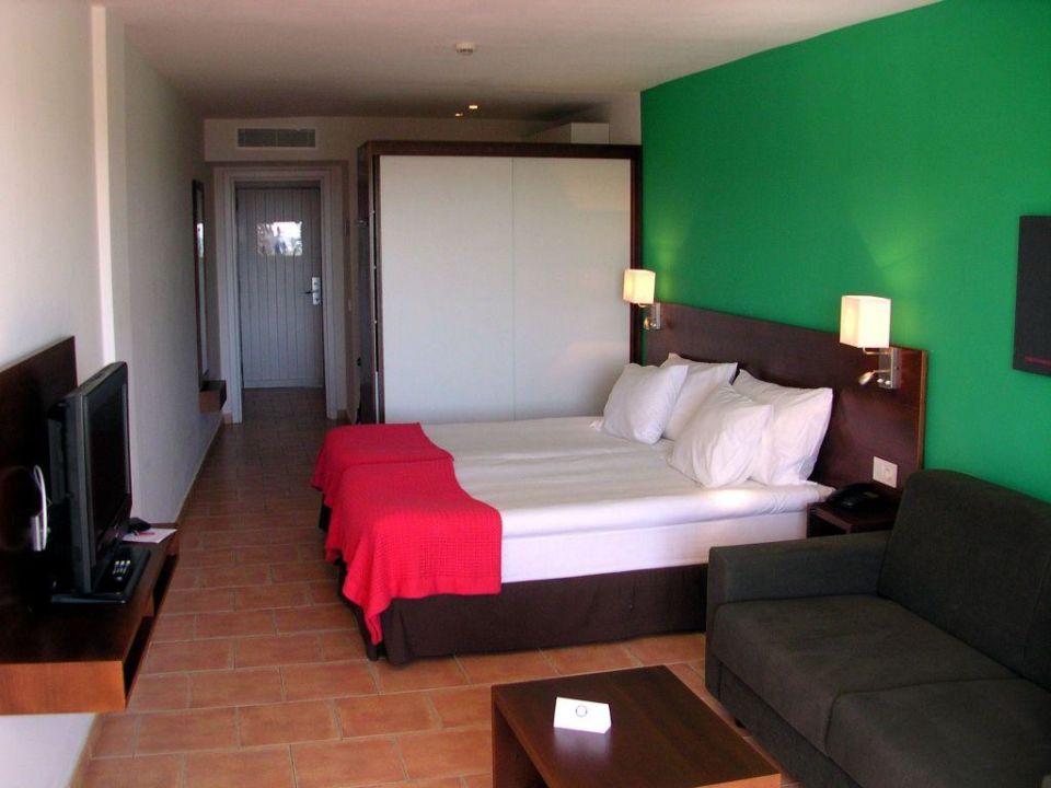 Studio  Bett, TV, Schrank, Couchtisch, Couch Sunprime