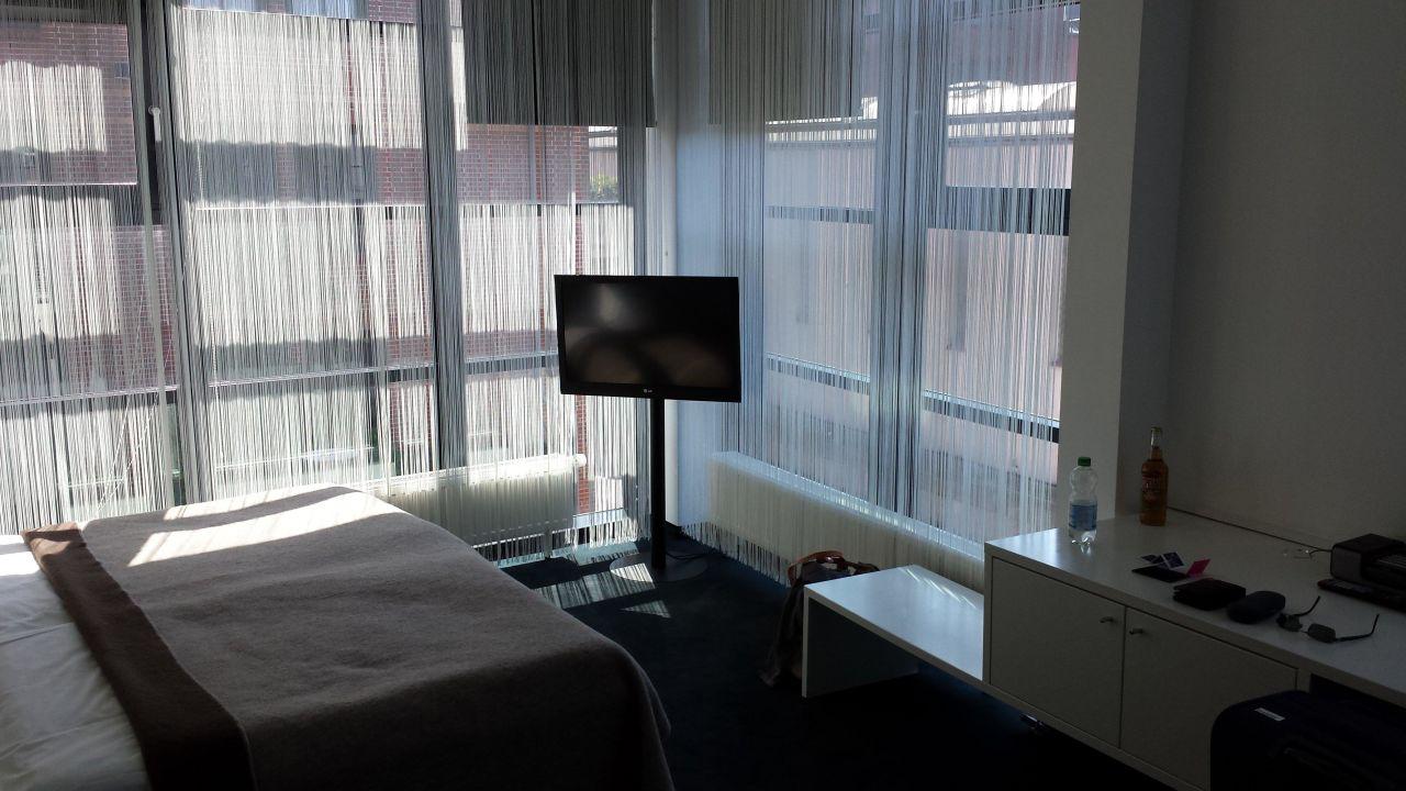 Verführerisch Fensterfront Referenz Von Tv Und 25hours Hotel Number One