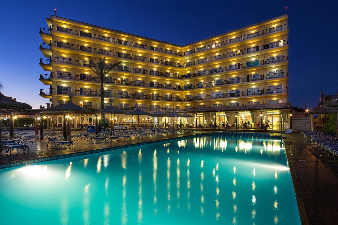 Piscina hotel thb el cid platja de palma playa de for Piscinas publicas palma de mallorca