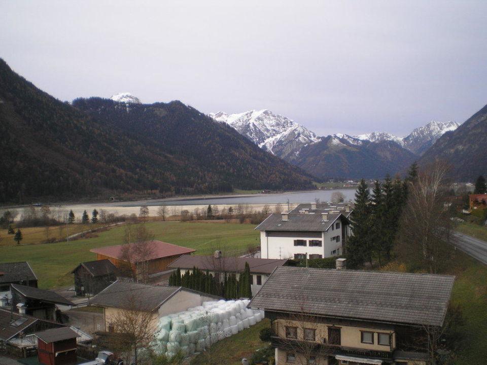 Blick vom Zimmer auf den Achensee Hotel Vier Jahreszeiten