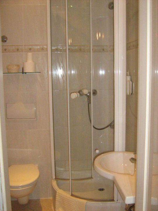 Mini Dusche Im Mini Bad Hotel Augusta Berlin