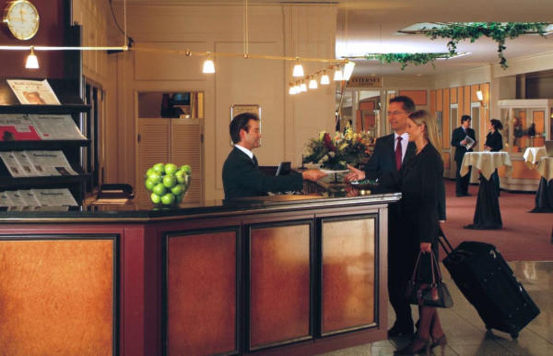 Hotelrezeption Centro Hotel Bristol
