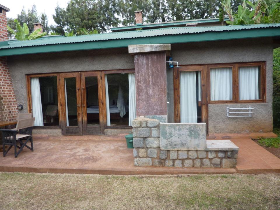 Lodge von aussen Endoro Lodge