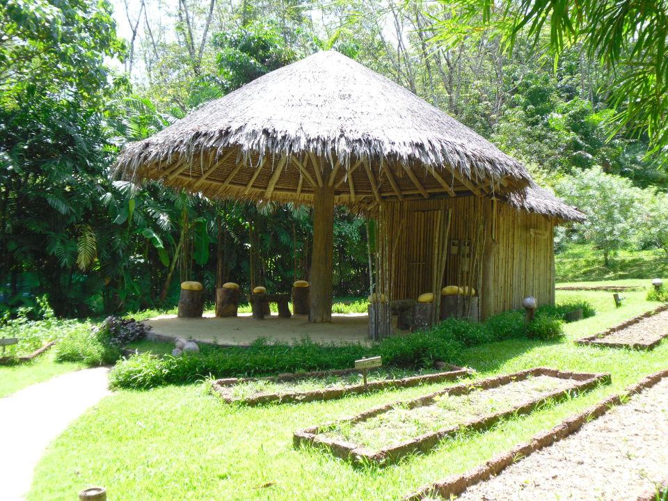 Organischer Garten mit Pilzhütte Hotel Six Senses Yao Noi