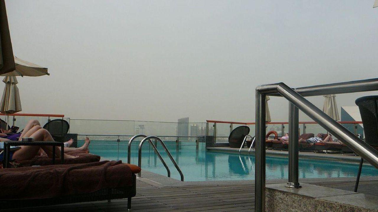 Dachpool Hilton Dubai Creek