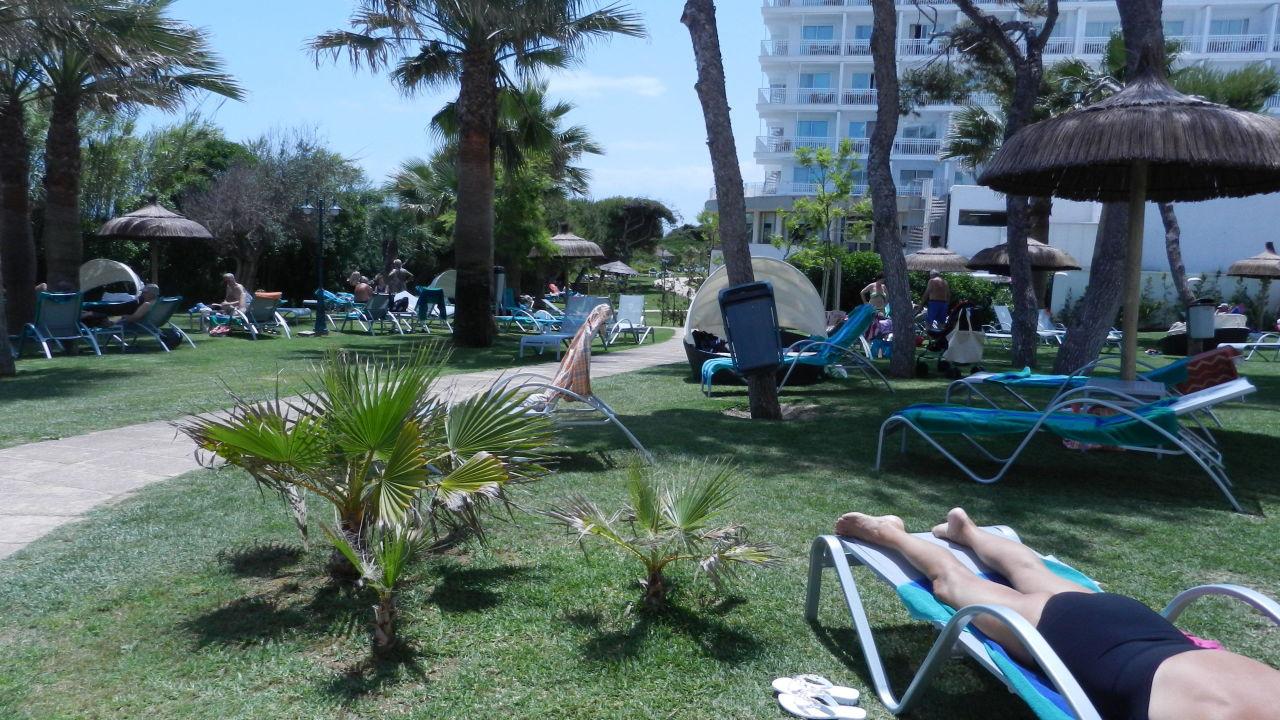 Garten Playa Esperanza Suites