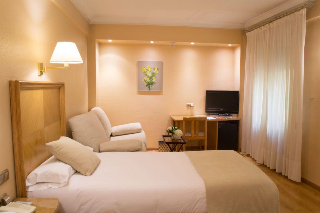 Zimmer Hotel Almirante Bonifaz