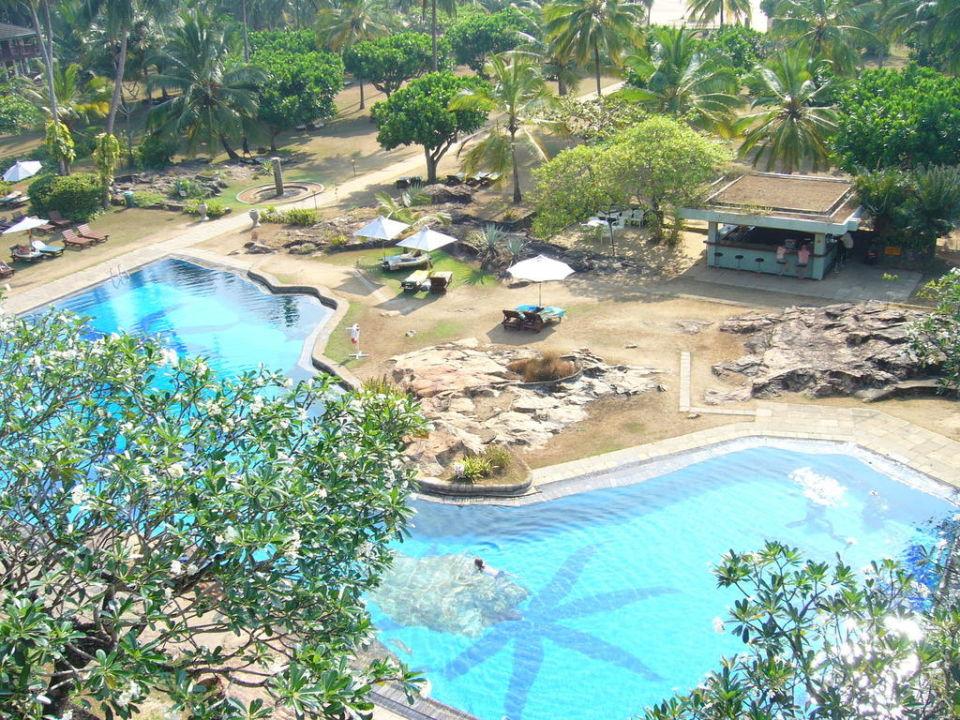 Der Pool des Hotels, sehr schön Bentota Beach by Cinnamon
