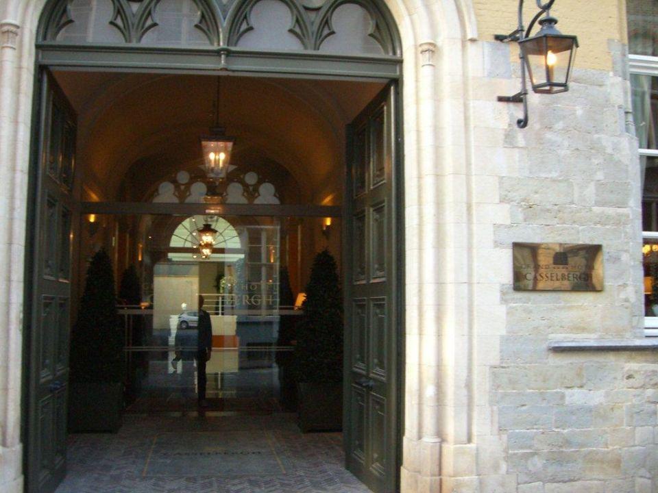 Hoteleingang Grand Hotel Casselbergh Brugge