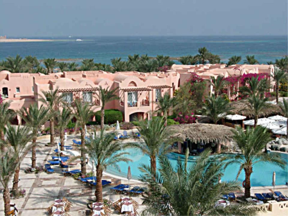 Makadi Beach - Blick vom Turm auf Pool und Meer Hotel Iberotel Makadi Beach