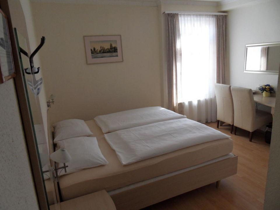 Doppelzimmer Hotel zum Adler