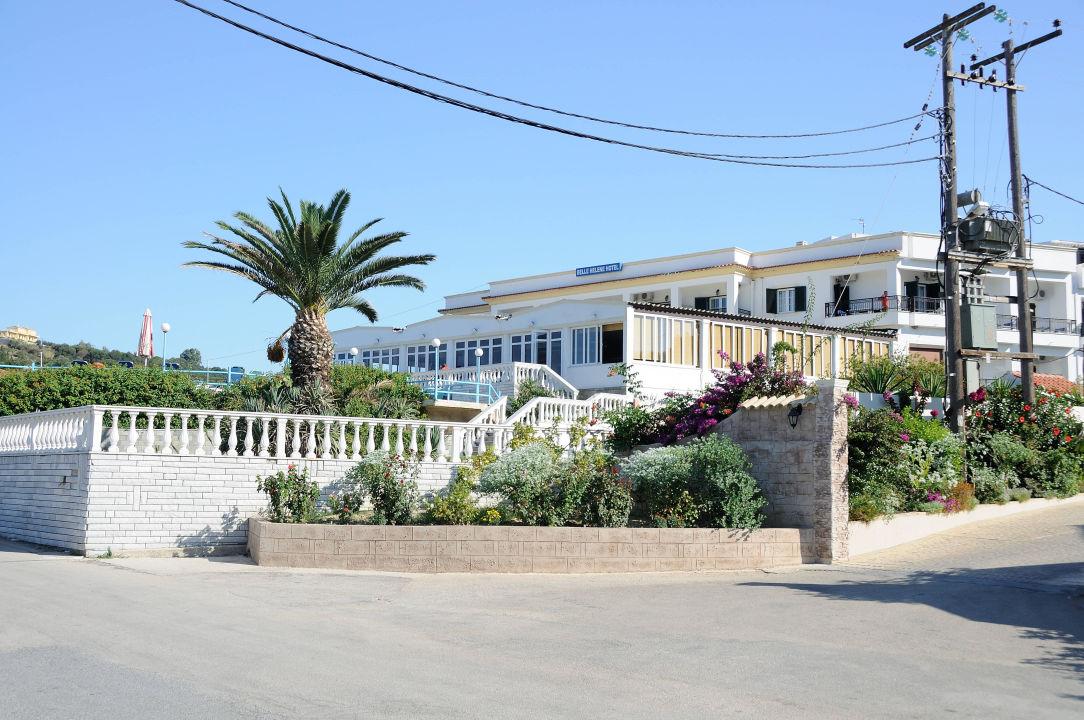 blick von der strasse hotel belle helene beach agios georgios pagi holidaycheck korfu. Black Bedroom Furniture Sets. Home Design Ideas