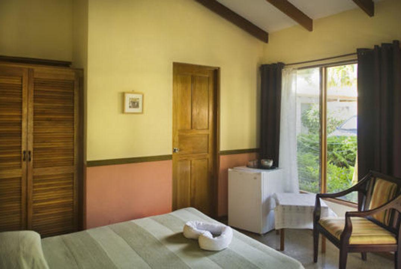 Single / Double Standard Rooms Vista Atenas Bed & Breakfast
