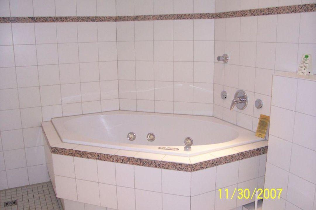 Whirlpool Im Großen Badezimmer Ringhotel Drees
