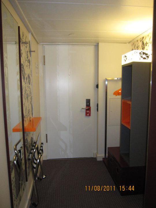 Eingang Garderobe eingang garderobe zimmer pentahotel leipzig leipzig