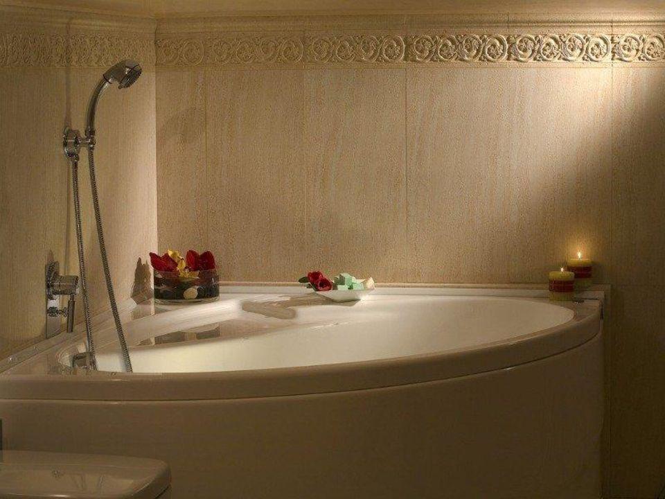 Bathroom suite Hotel Atlantic Palace