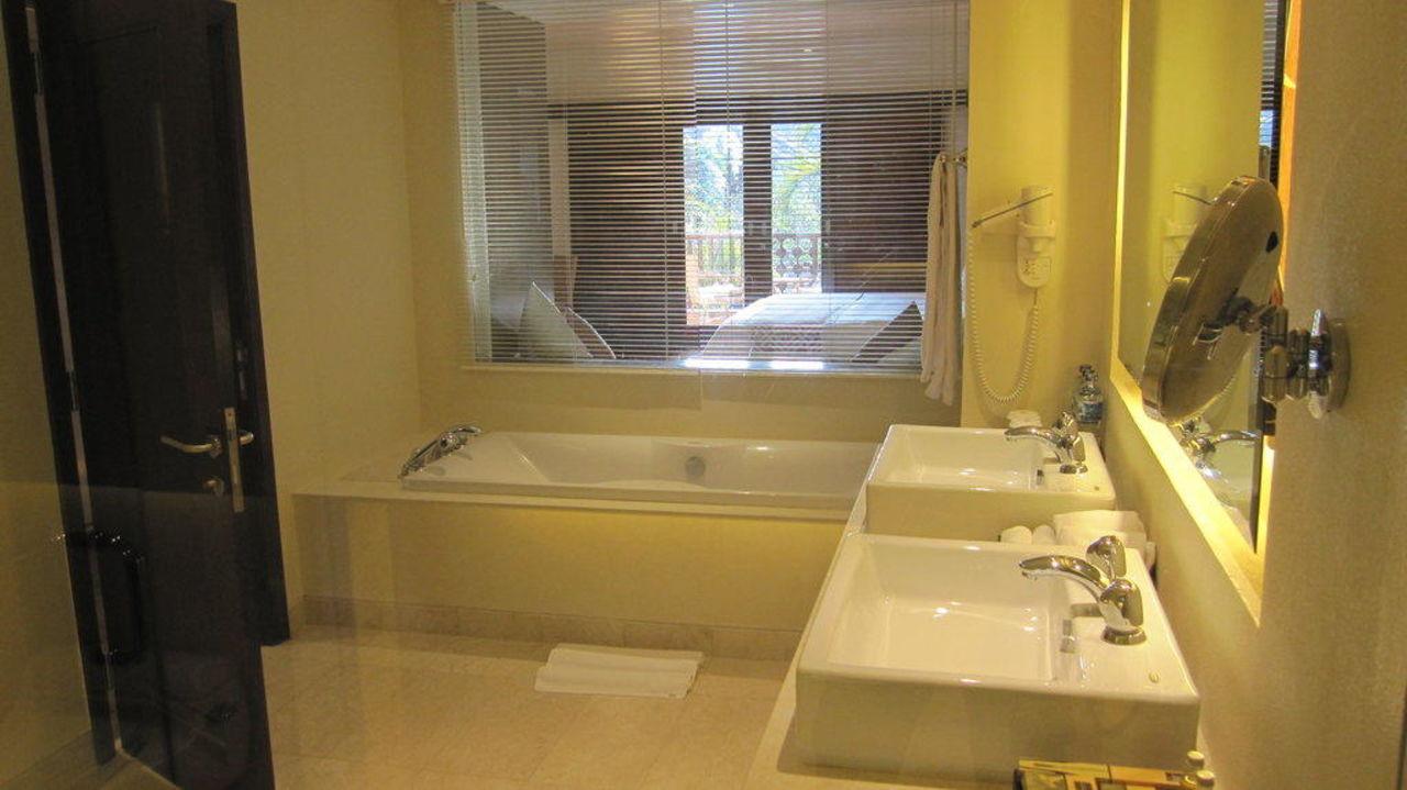 Badezimmer Padma Resort Legian