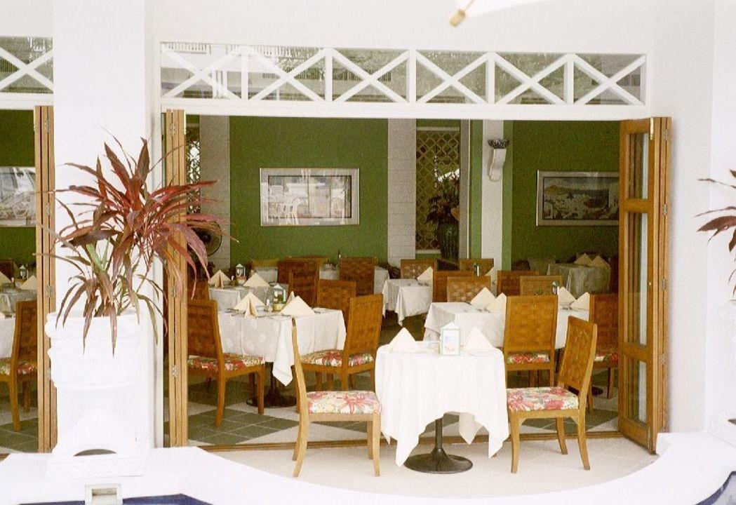 Blick vom Pool in das Restaurant (Richtiges Bild) Hotel Andaman Seaview